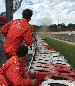Einparken am Reifenstapel Nürburgring mit Formel BMW